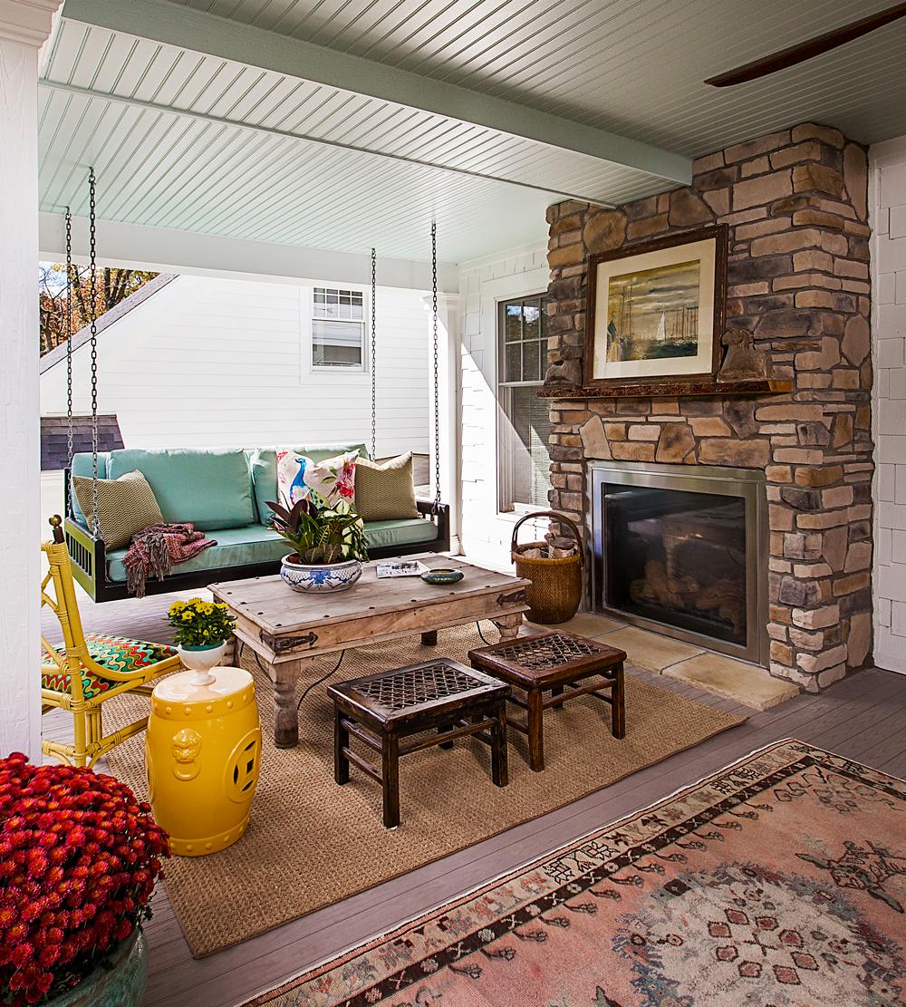 Indoor-outdoor porch